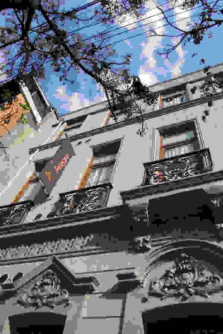 Hotel Boutique Su Merced Casas estilo moderno: ideas, arquitectura e imágenes de EARQ Moderno
