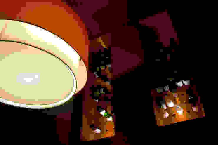 Hotel Boutique Su Merced Paredes y pisos modernos de EARQ Moderno