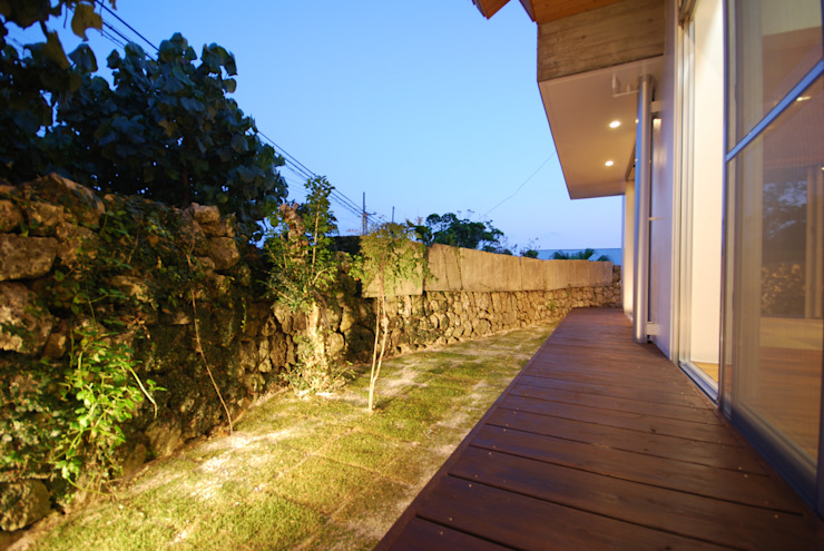 SKM-HOUSE アジア風 庭 の 門一級建築士事務所 和風 木 木目調