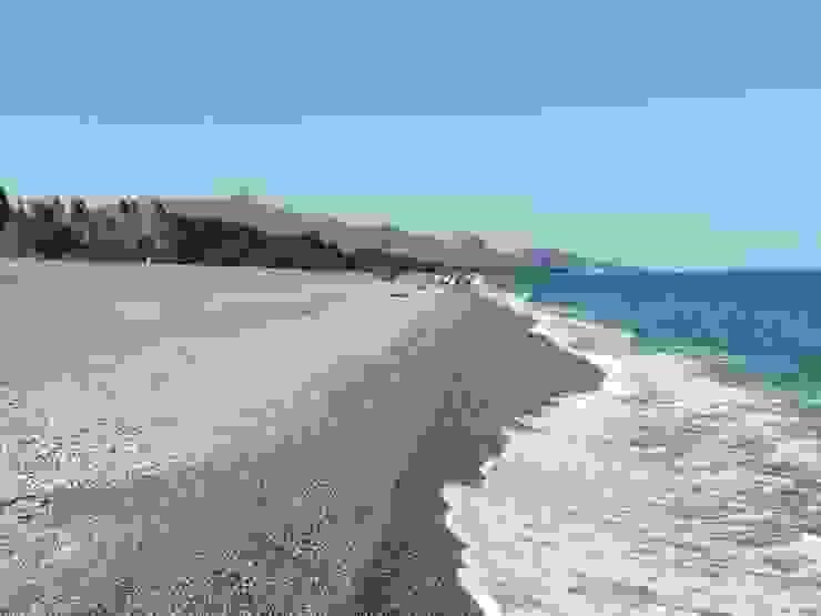 Spiaggia Case in stile mediterraneo di Antonio Torrisi Mediterraneo