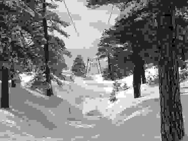 Mareneve, è il nome della strada che porta sull'Etna, (patrimonio dell'umanità) boschi, colate laviche, e neve a soli 15 Km. Case in stile mediterraneo di Antonio Torrisi Mediterraneo