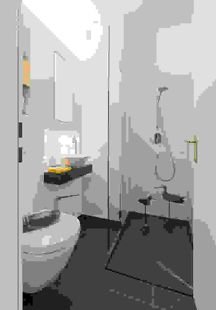 baqua – innovative Badlösungen – die neue Art zu Duschen / bodenebene Duschen Moderne Badezimmer von Natursteinwerk Rechtglaub-Wolf GmbH Modern Schiefer