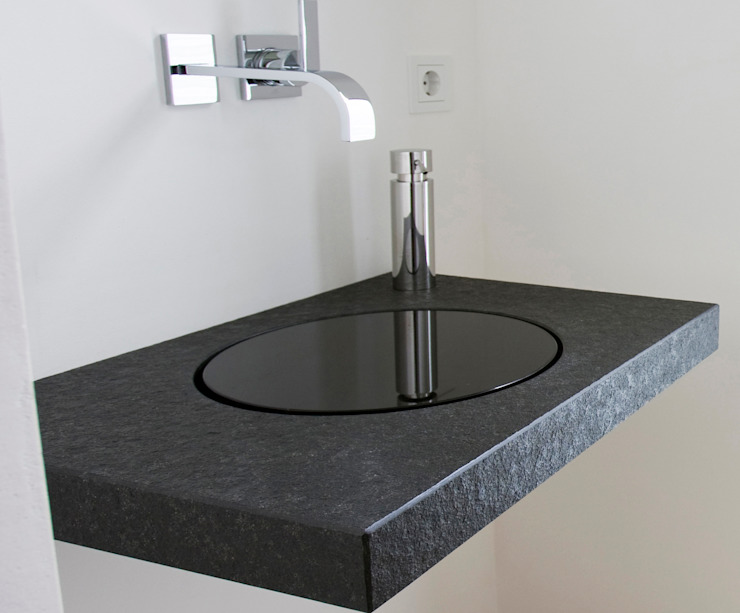 natursteinwolf GmbH & Co. KG - die natursteinmanufaktur Modern Bathroom Granite