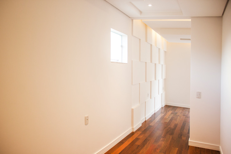 Modern Walls and Floors by Cecyn Arquitetura + Design Modern