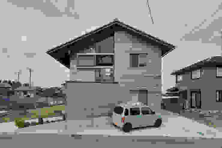 บ้านและที่อยู่อาศัย by 丸山晴之建築事務所