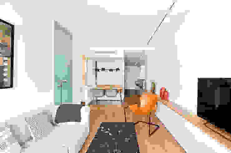 2DM Salones de estilo escandinavo de BONBA studio Escandinavo