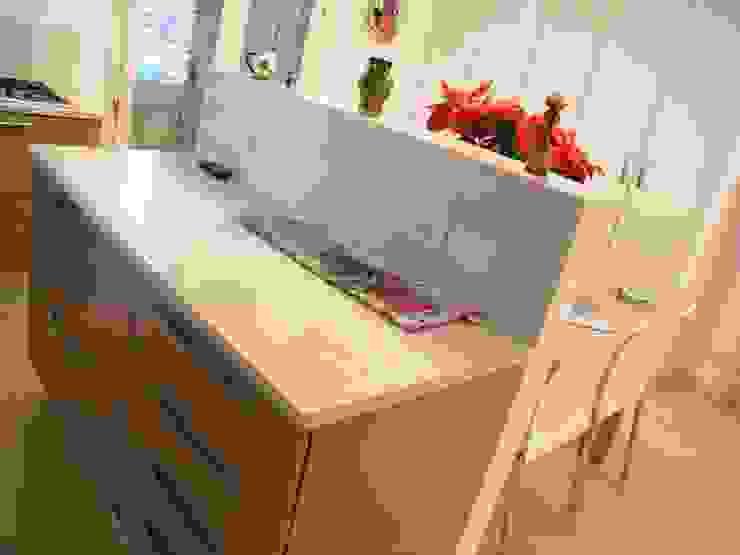 Casa indipendente Cucina moderna di Criscione Arredamenti Moderno