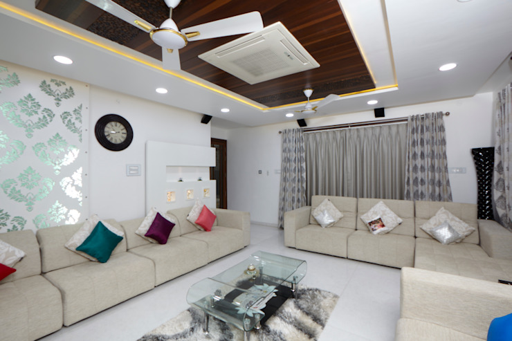 Dr Rafique Mawani's Residence Minimalist living room by M B M architects Minimalist