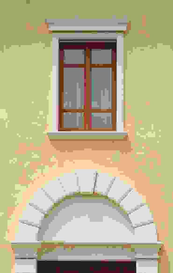 Decorazioni Per Porte Esterne cornici decorative per facciate di eleni decor   homify
