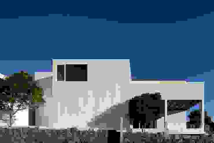 Minimalistische Häuser von Jular Madeiras Minimalistisch