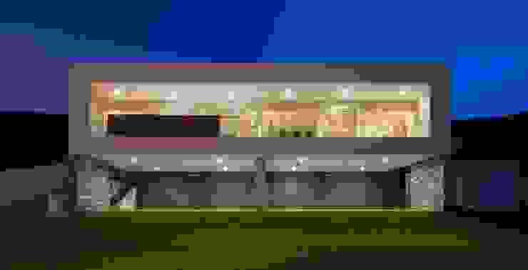 611 URBN Casas modernas Beige