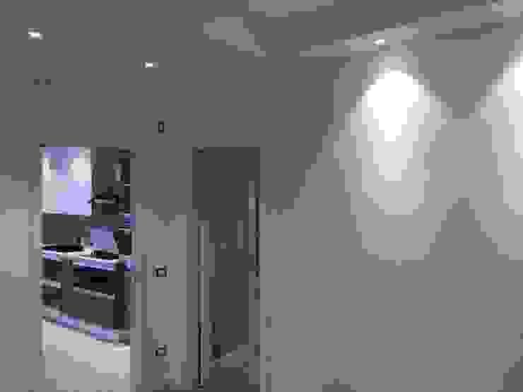 Couloir, entrée, escaliers modernes par GEP gruppo edile padova di favaro mauro Moderne