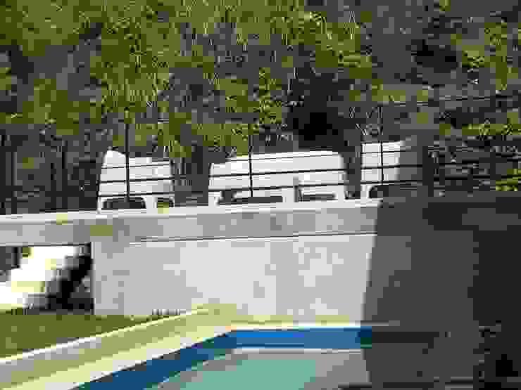 Casa Barquisimeto THE muebles Balcones y terrazas de estilo moderno