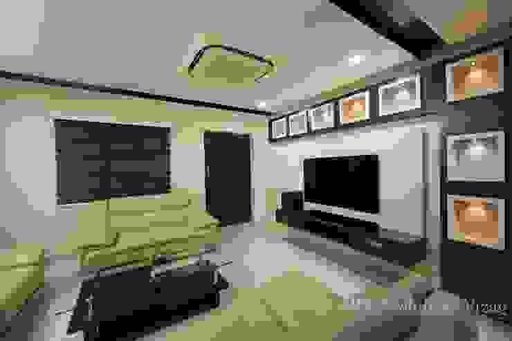 Drawing room ARK Architects & Interior Designers Modern corridor, hallway & stairs