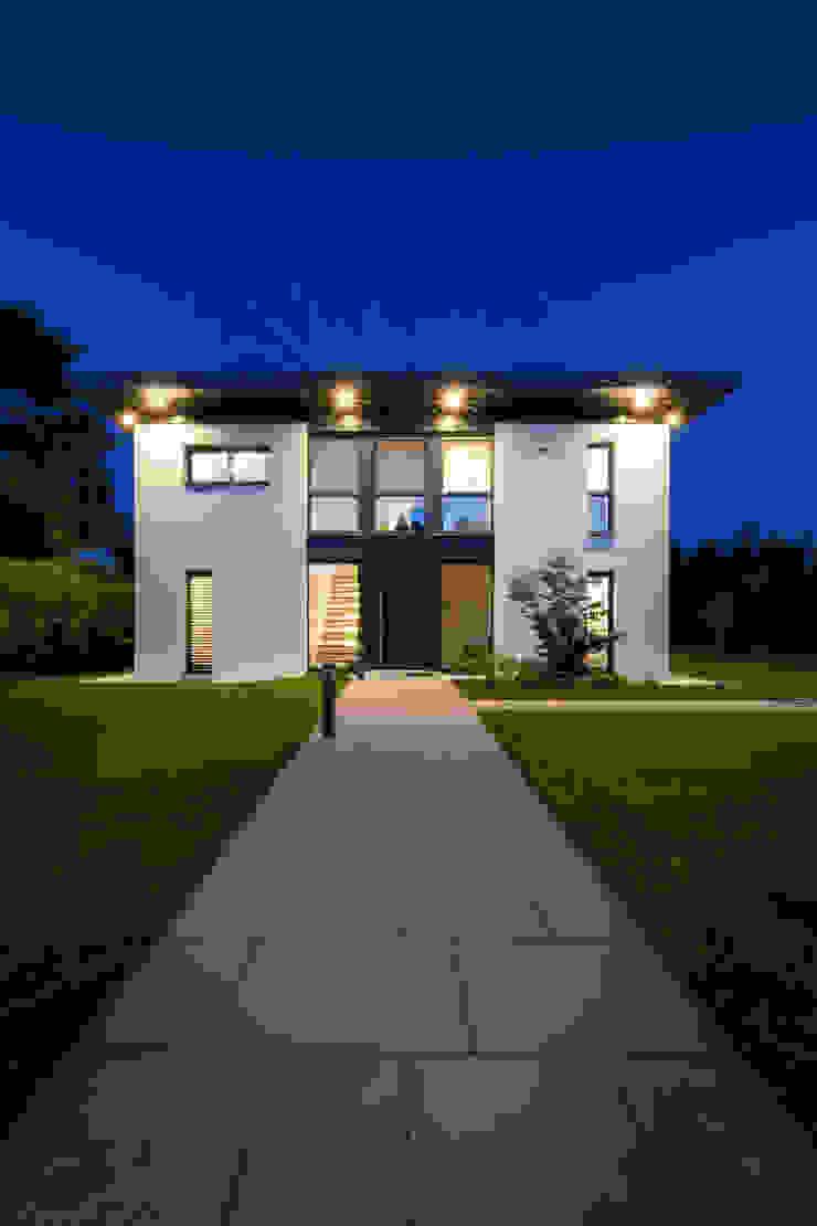 wohnen im 22ten Moderne Häuser von Atelier Fürtner-Tonn Modern Ziegel