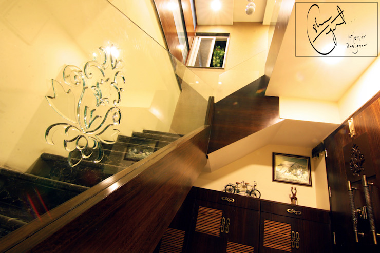 ESHA GARG : Interior Designer Modern corridor, hallway & stairs