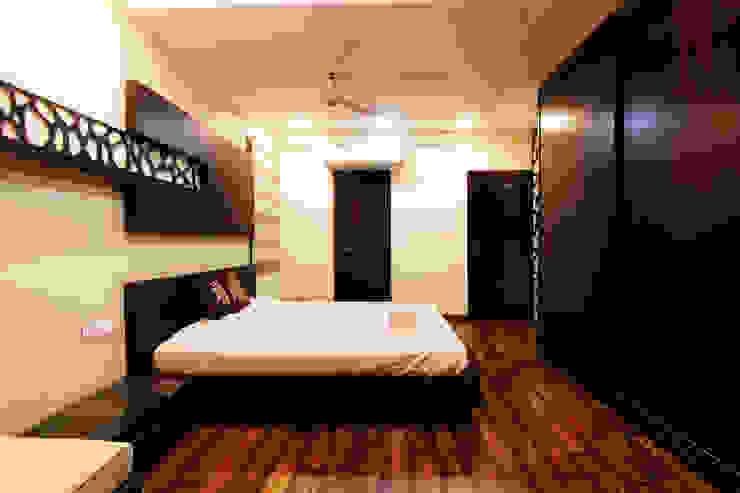 ESHA GARG : Interior Designer Modern style bedroom