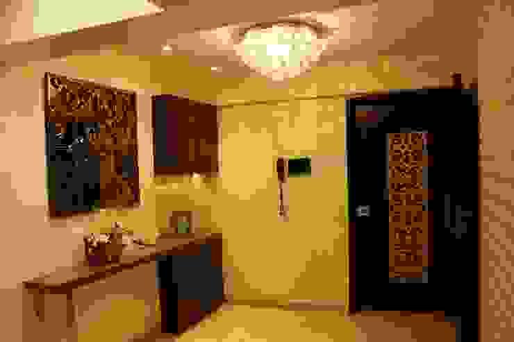 .. Modern corridor, hallway & stairs by homify Modern