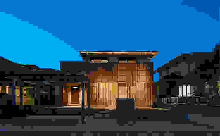 Moderne Häuser von 田村の小さな設計事務所 Modern Holz Holznachbildung