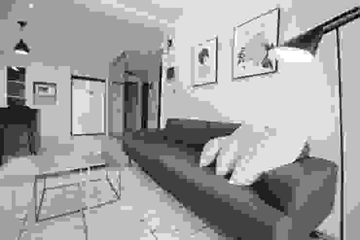 [홈라떼]깔끔하고 모던한 26평 신혼집 홈스타일링 모던스타일 거실 by homelatte 모던