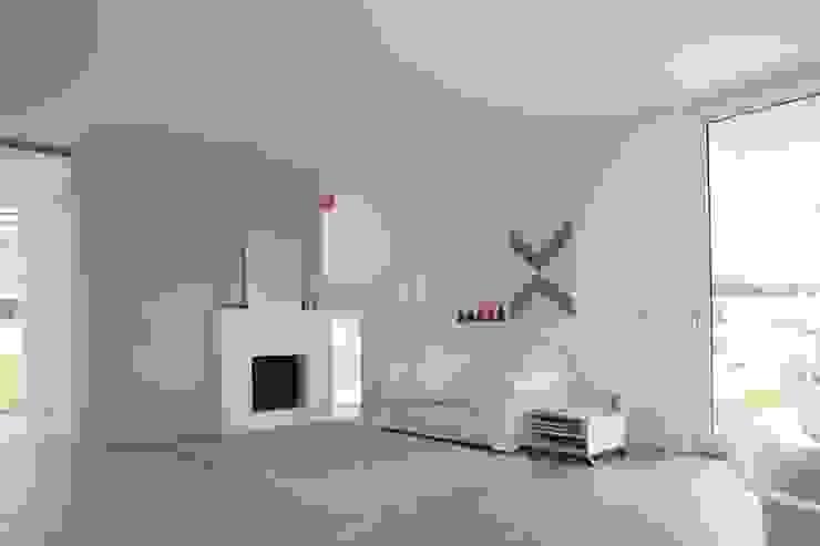 Moderne woonkamers van Schiller Architektur BDA Modern