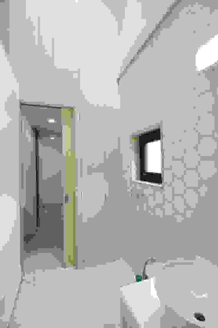 경기도 광주 퇴촌 전원주택 모던스타일 욕실 by 봄 하우스플랜 모던
