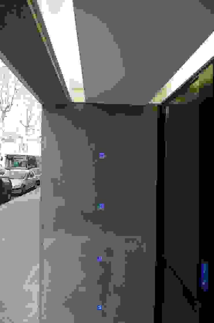 Pierre Bernard Création Modern offices & stores