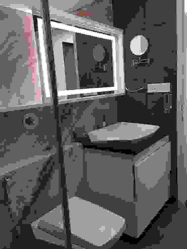 Master Bathroom Modern bathroom by Studio Stimulus Modern