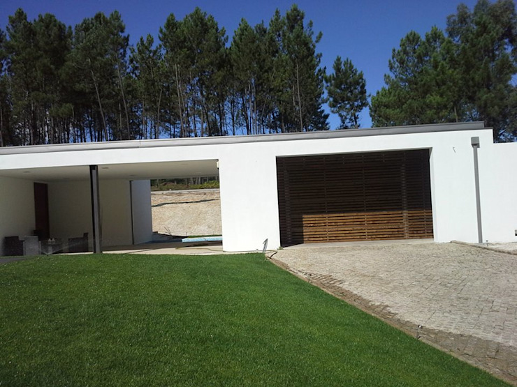 Casa em Fermil por Engebasto - Atividades de Engenharia e Arquitetura, Lda