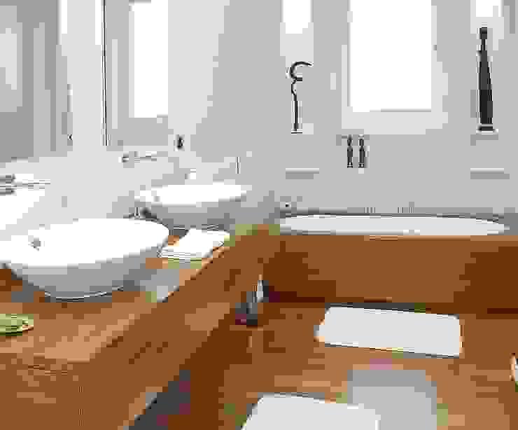 Modern bathroom by homify Modern Wood Wood effect