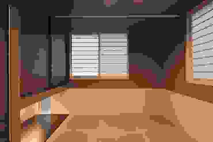 Dormitorios de estilo moderno de artect design - アルテクト デザイン Moderno