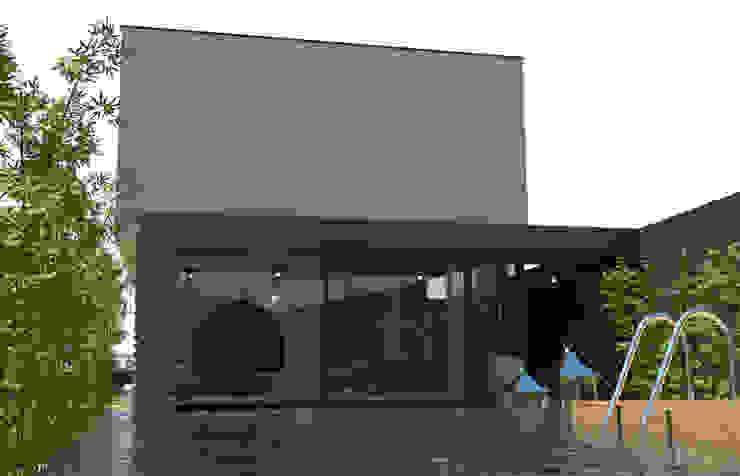 Jardines de estilo  por OFICINA - COLECTIVO DE IDEIAS, LDA