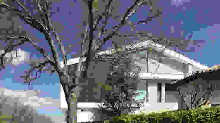 Moderne huizen van arqubo arquitectos Modern Keramiek