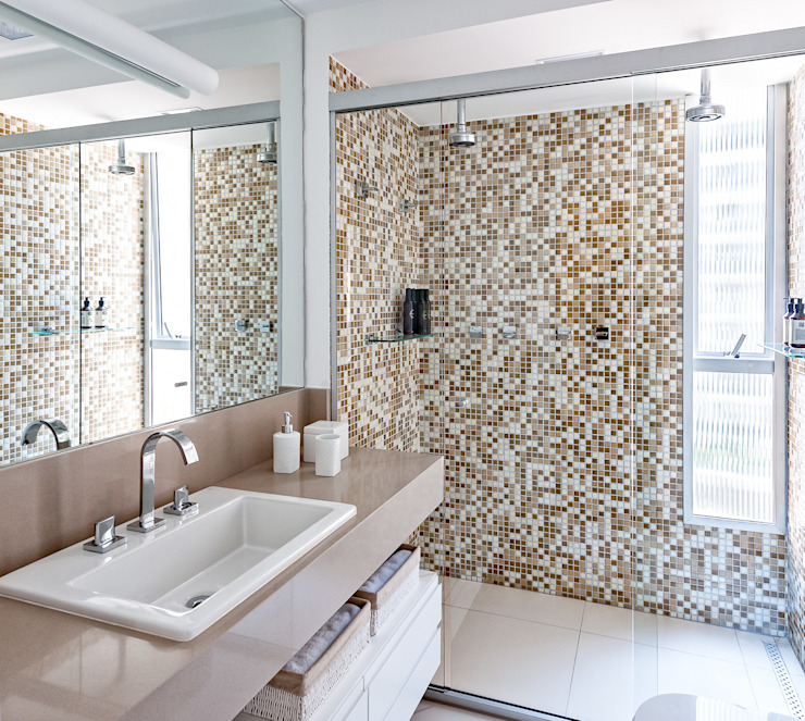 Bathroom by Ambienta Arquitetura ,