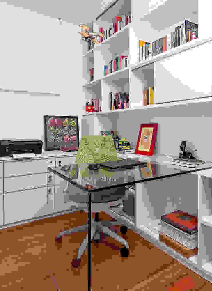 Ambienta Arquitetura Oficinas de estilo moderno