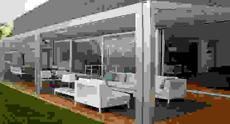Modern Garden by Tucommit Modern