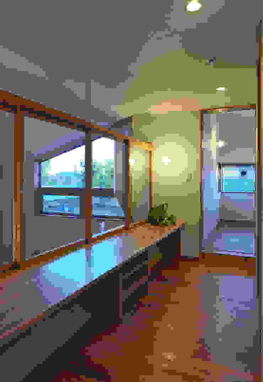 かんばら設計室 Oficinas y bibliotecas de estilo ecléctico