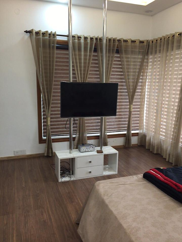 Lcd panel Modern Bedroom by Square Designs Modern