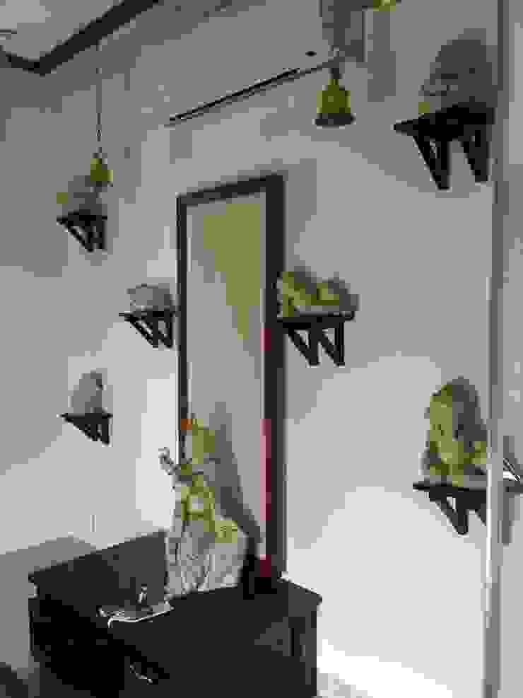 Puja Room: modern  by QBIX DESIGNS ,Modern