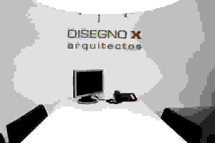모던스타일 서재 / 사무실 by DX ARQ - DisegnoX Arquitectos 모던