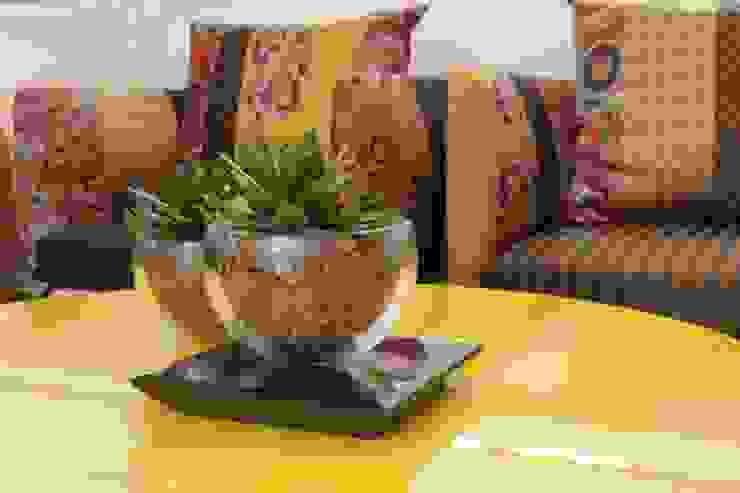Fernanda Moreira - DESIGN DE INTERIORES Living roomAccessories & decoration Glass Amber/Gold