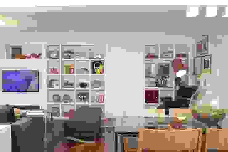 Fernanda Moreira - DESIGN DE INTERIORES Living roomStools & chairs Wood Grey