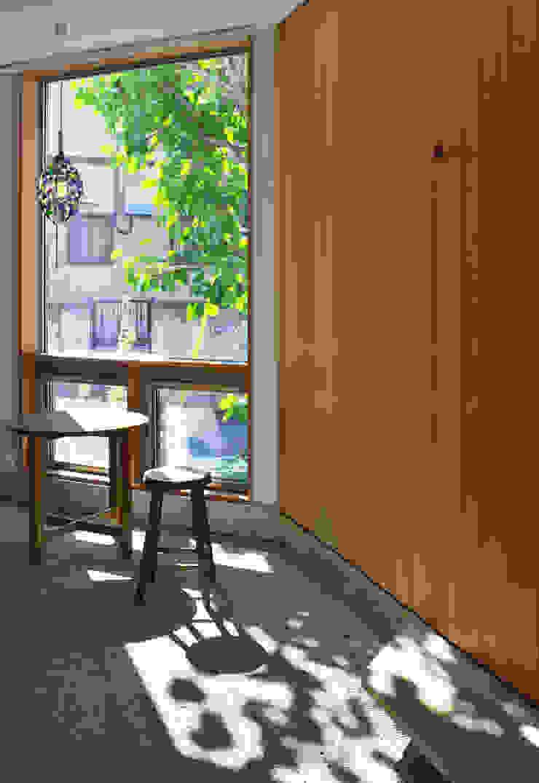 かんばら設計室 隨意取材風玄關、階梯與走廊