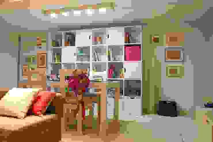 Espaço de Brincar Salas de estar ecléticas por Oficina Rústica Eclético Madeira Acabamento em madeira