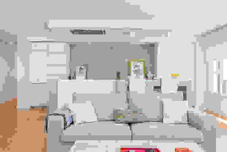 Moderne woonkamers van Espacios y Luz Fotografía Modern