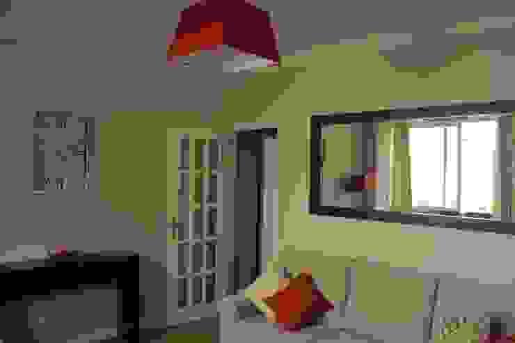Sala de Estar/Jantar Oficina Rústica Salas de estar ecléticas Madeira Acabamento em madeira
