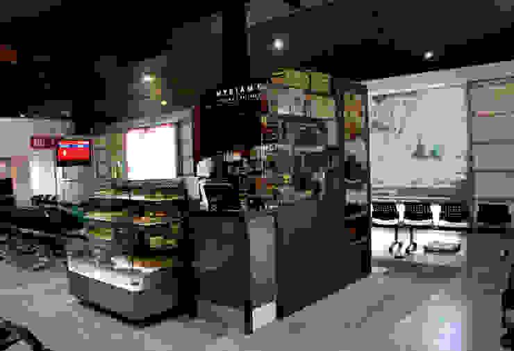 Local Myriam Camhi Aeropuerto el Dorado Bogota de AV arquitectos Moderno Aglomerado