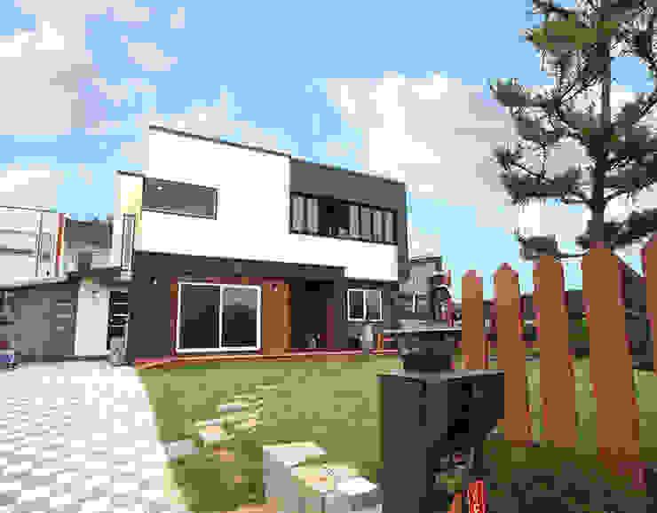 모던함 속에 고급스러움을 간직한 전원주택[충남 천안] 모던스타일 주택 by 지성하우징 모던