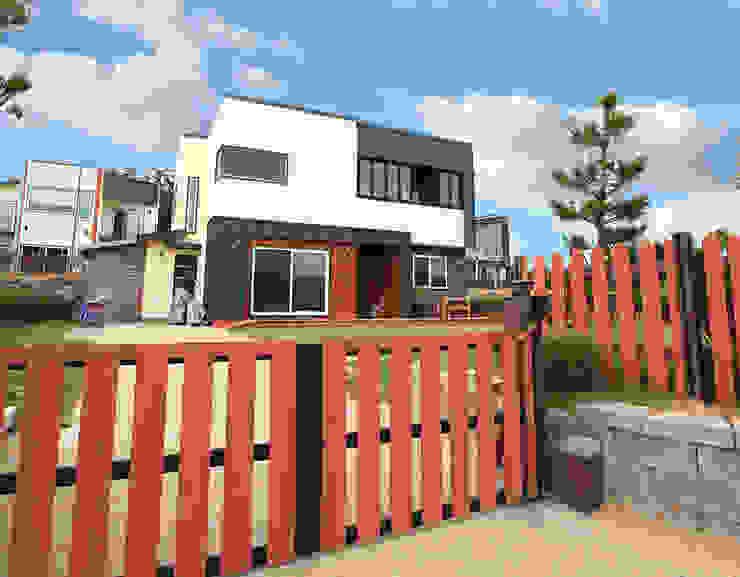 Casas de estilo  por 지성하우징, Moderno