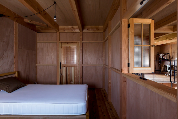 Rustic style bedroom by ALTS DESIGN OFFICE Rustic Wood Wood effect